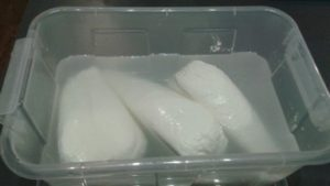solenie i marynowanie białego sera